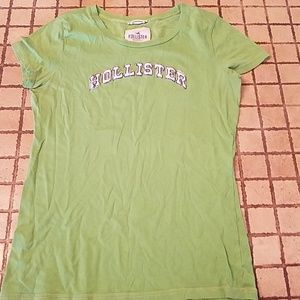 Hollister Large tshirt